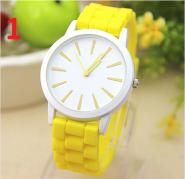 Классические женские часы с силиконовым ремешком.