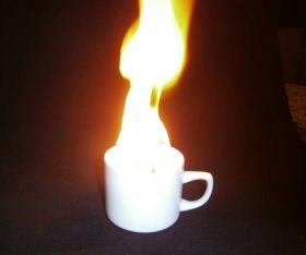 Фокус с горящей чашкой