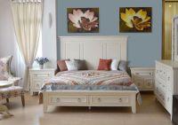 стильная белая деревянная спальня