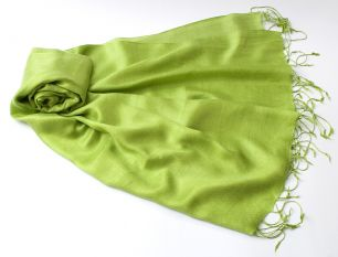 Шелковый шарф цвета Зеленое яблоко (под заказ)