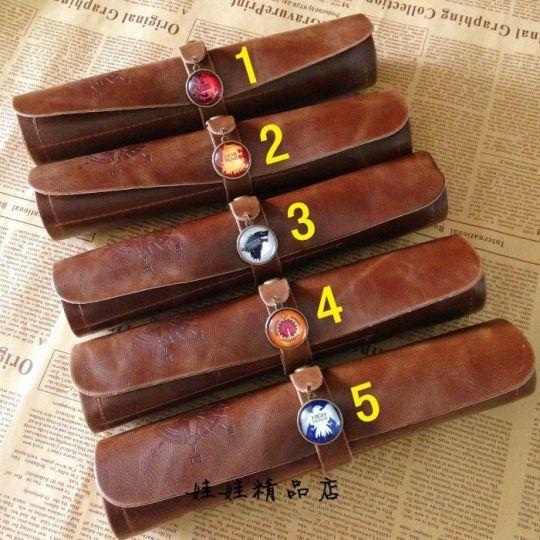 Кожаный пенал с изображением гербов величайших домов Вестероса из Игр Престолов