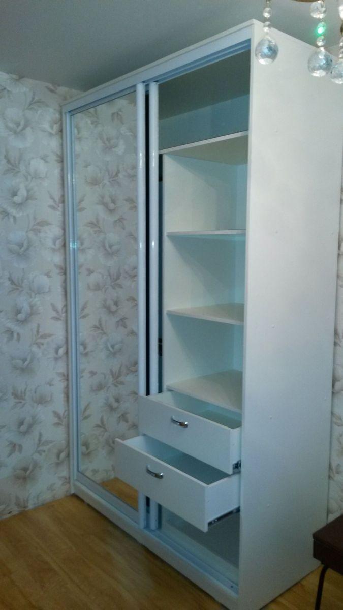 Шкаф купе корпусной, размеры 1400*2300*600, белый профиль