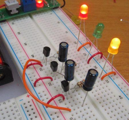 Бегущий огонь на транзисторах