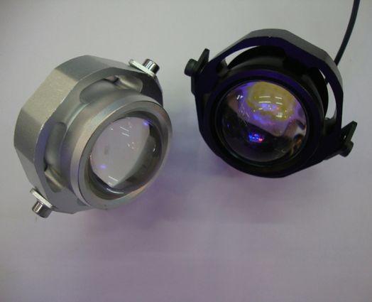 Направленный герметичный прожектор 10 Вт 12 Вольт.