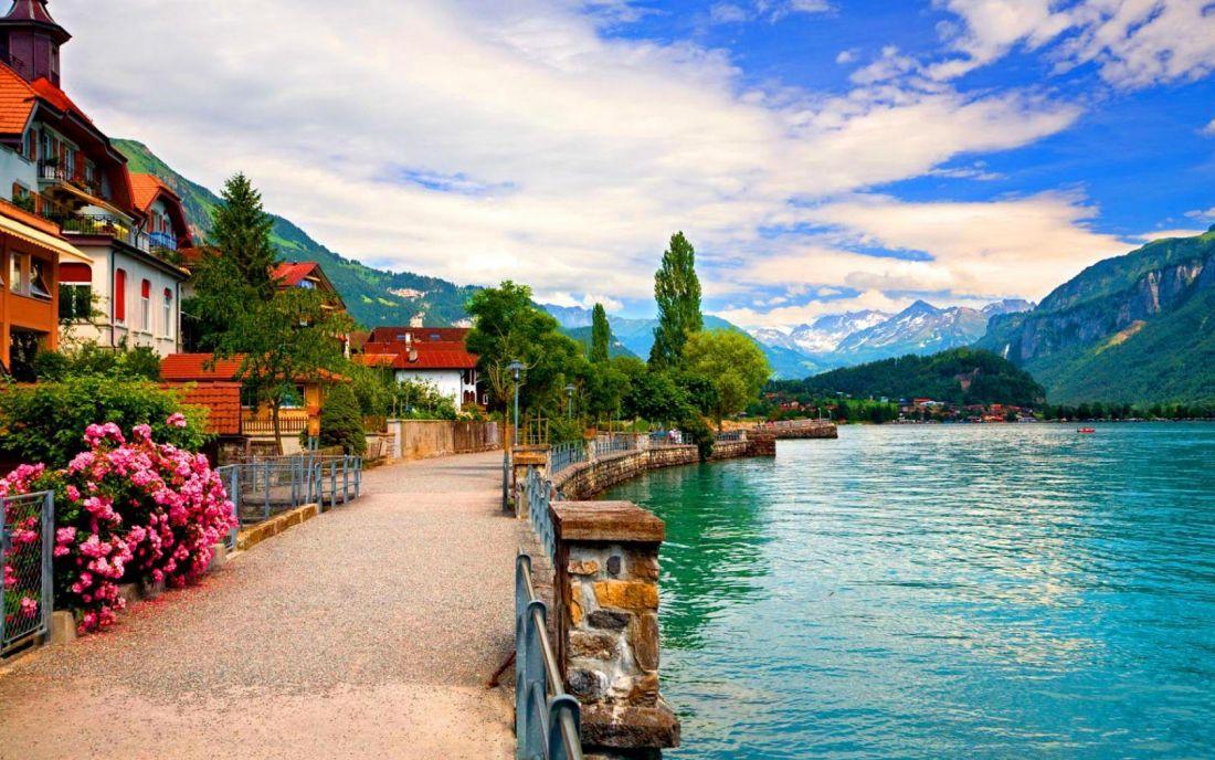 Швейцария: НЕСКРОМНОЕ ОЧАРОВАНИЕ БУРЖУАЗИИ (Регенсбург – Лихтенштейн -  Цюрих – Люцерн – Шильонский замок* – Монтрё – Вевей – Лозанна – Женева – Берн – Нюрнберг)