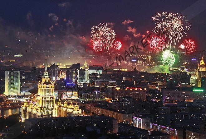 Просмотр праздничного салюта из небоскреба Москва-Сити