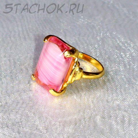 Кольцо розовый топаз под золото