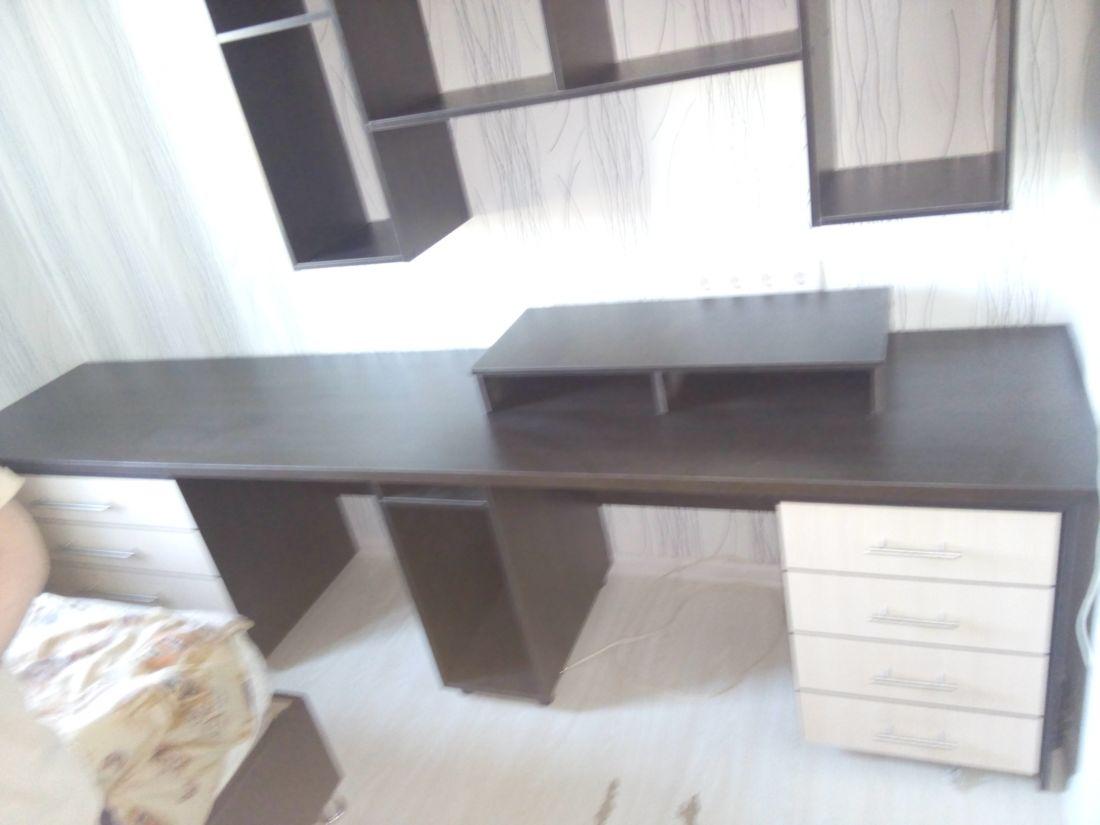 Компьютерный 2-х тумбовый стол- 2