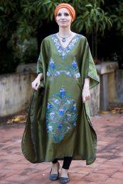 Зеленое шелковое платье (Москва)