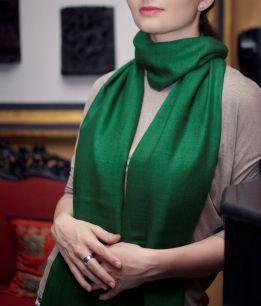 Зелёный палантин из шерсти с кашемиром (под заказ)