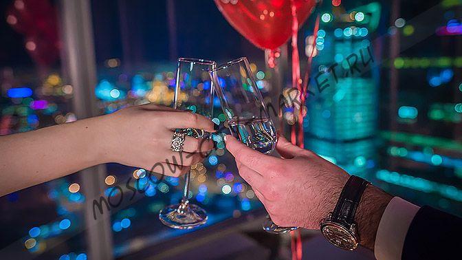 Романтический вечер для двоих в апартаментах Москва-Сити с прогулкой на теплоходе по Москва-реке