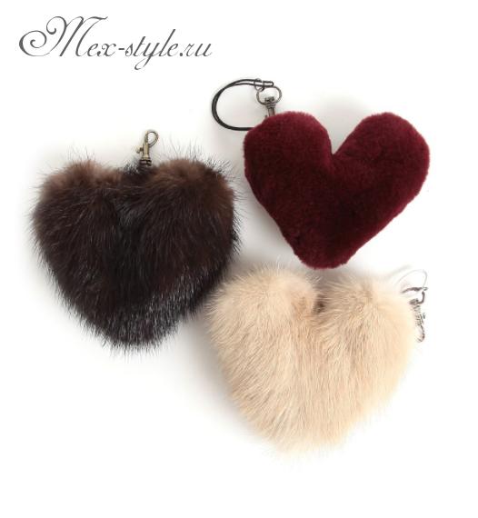 Меховой брелок на сумочку