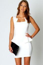 Белое женственное платье с баской