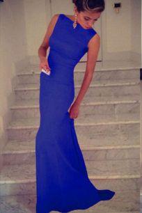 Великолепное макси платье насыщенного синего цвета.