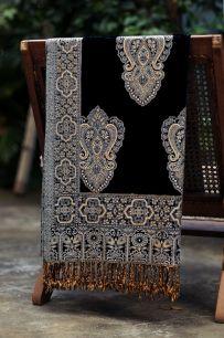 Черный палантин из Индии с восточным орнаментом (под заказ)