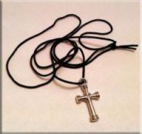 крестик на шнурке