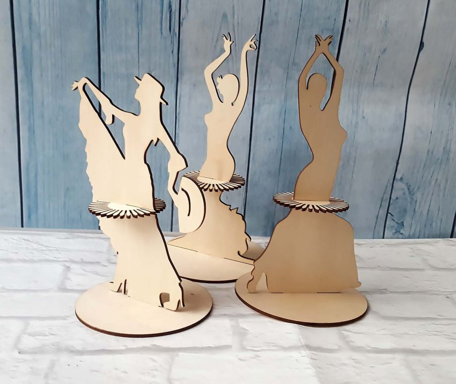 Салфетница из дерева танцовщица на заказ