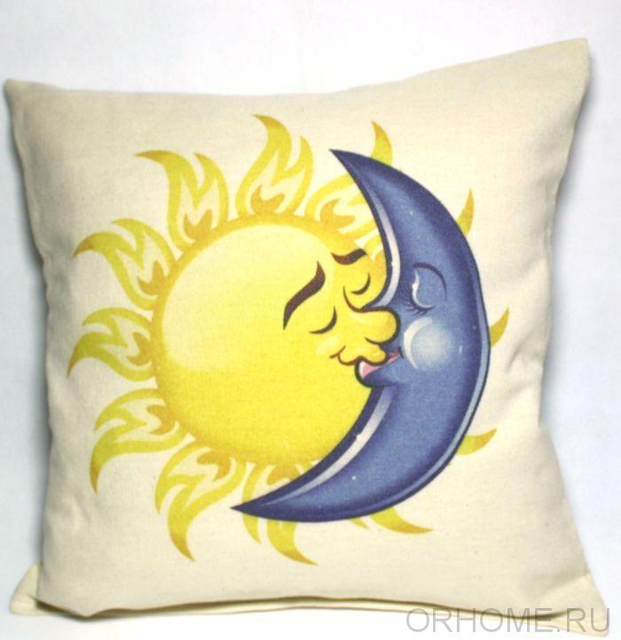 """Декоративная подушка """"Солнце и луна"""""""