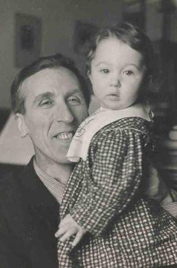 С дочерью Машей (1951 г.)