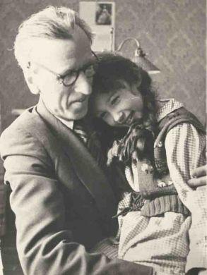 Д.Б. Кабалевский с дочерью Машей (1956 г.)
