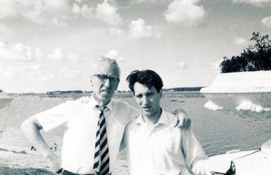 С сыном Юрой. Дубна (1966 г.)