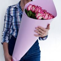 15 бело-розовых роз (60см)