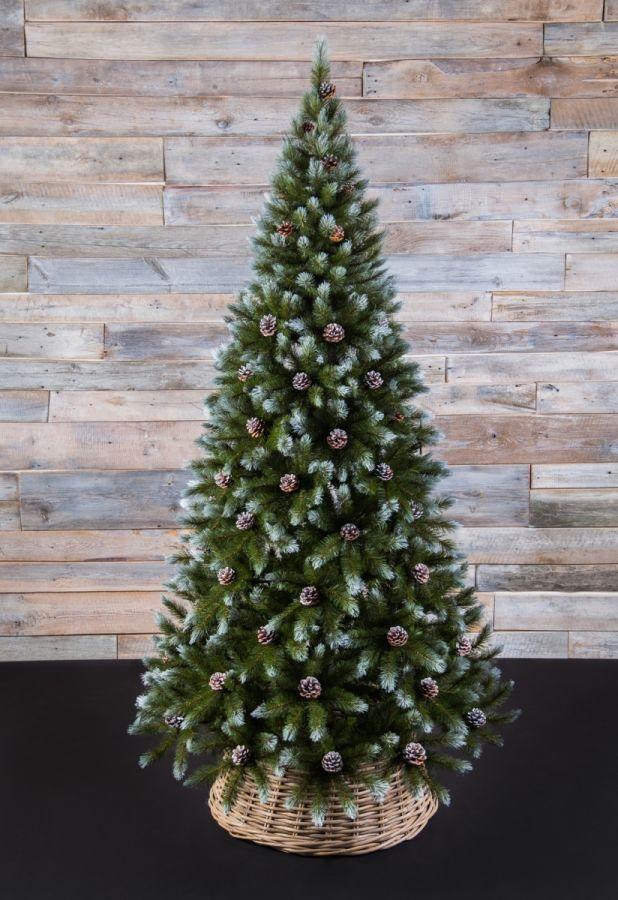 Искусственная елка Женева 230 см c шишками заснеженная