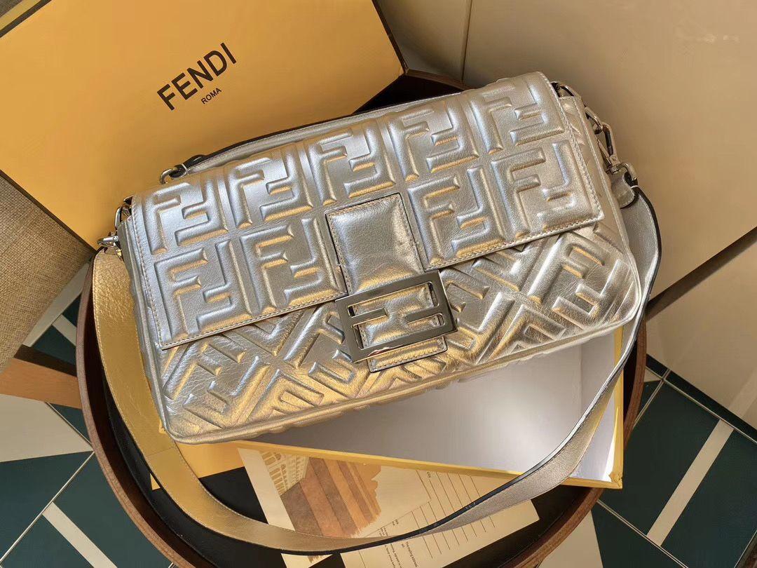 FENDI BAGUETTE 32 cm