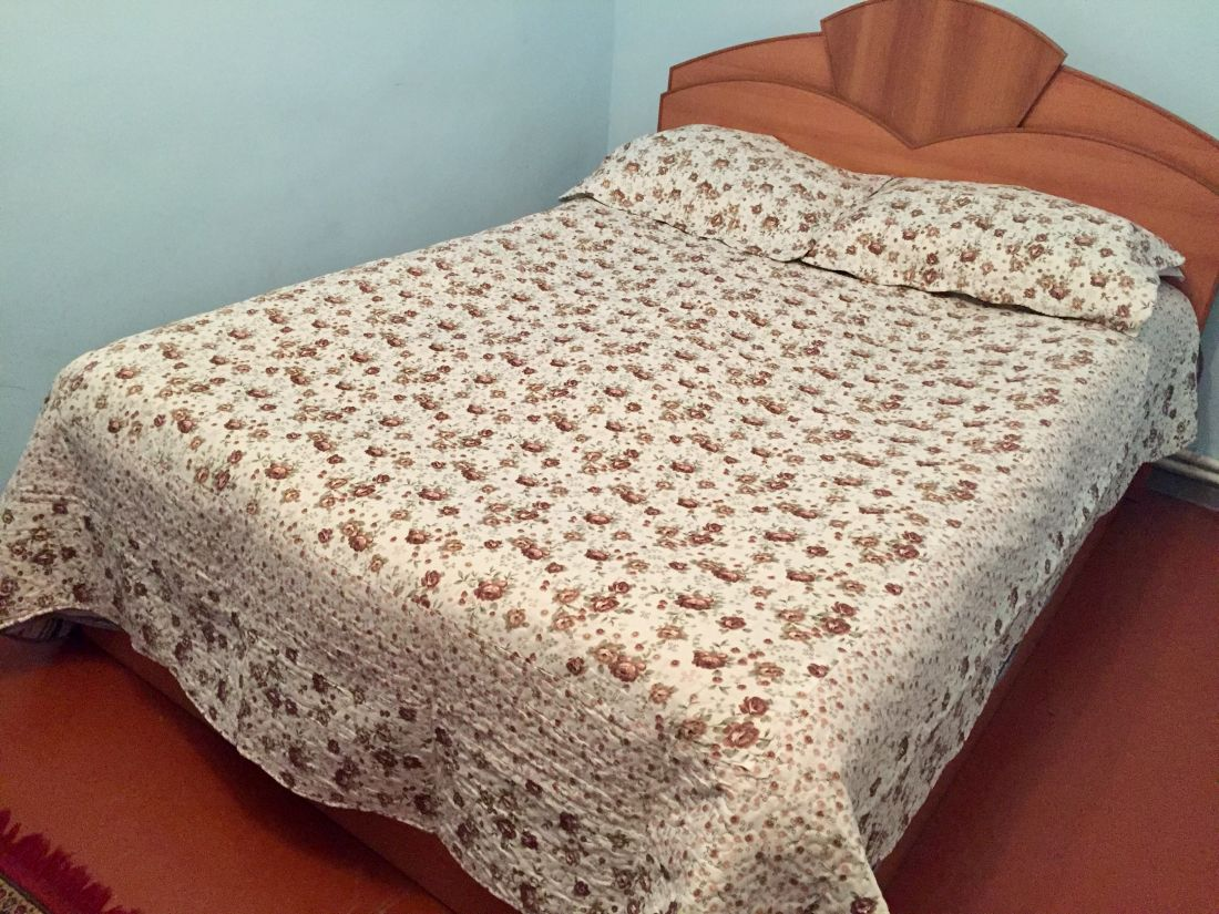 Վերմակ-ծածկոց «շագանակագույն ծաղիկներ» (vermak-tsatskoc)