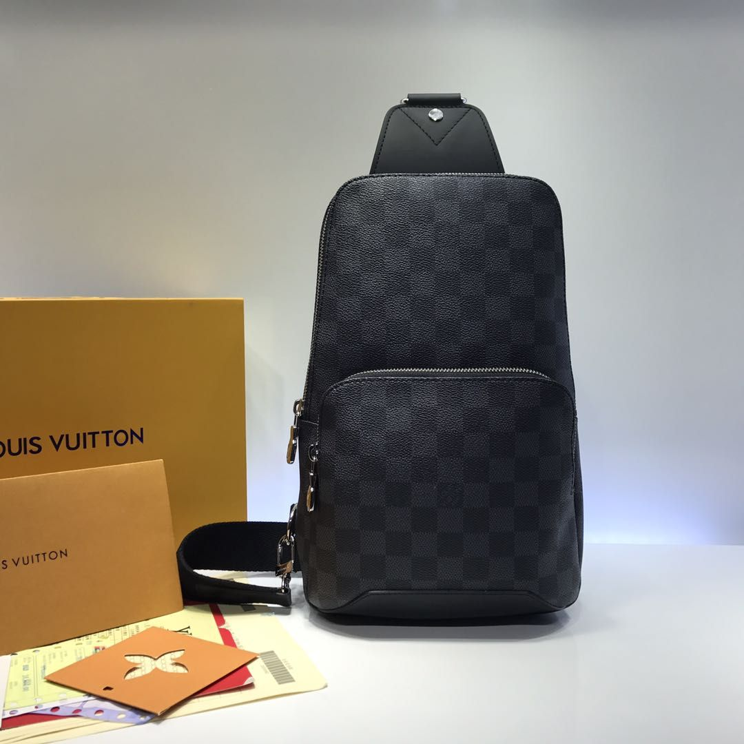 Louis Vuitton Sling Avenue 30 cm