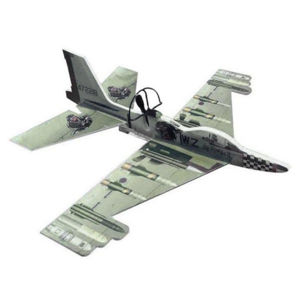 Сборный самолет-истребитель с автономным мотором, Цвет: Зелёный
