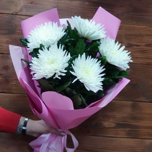Букет цветов из 7 хризантем