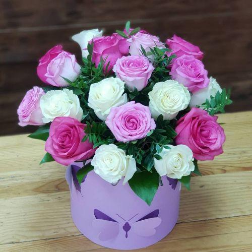 """Коробка цветов """"Люблю"""""""
