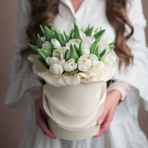 Коробка цветов из 25 тюльпанов