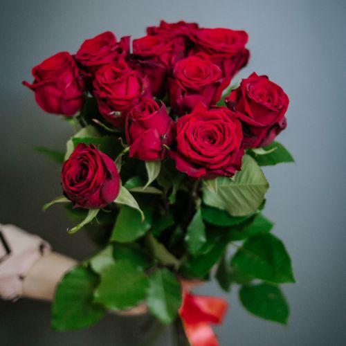 Букет цветов из 15 красных роз