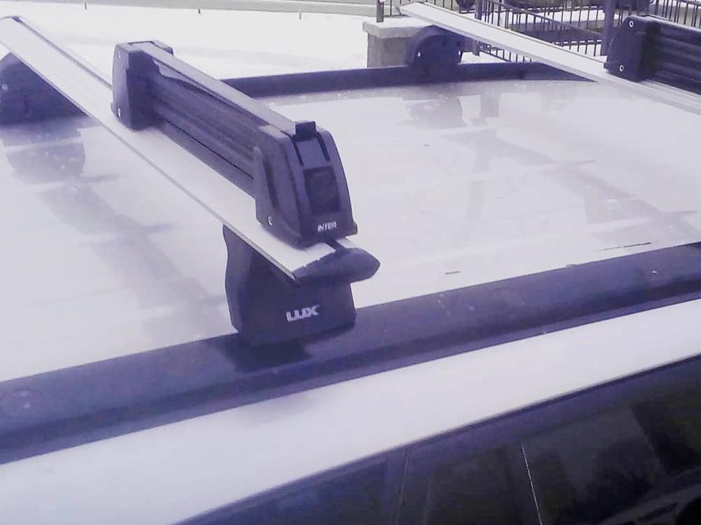 Багажник на крышу Suzuki Grand Vitara, Lux, крыловидные дуги на интегрированные рейлинги