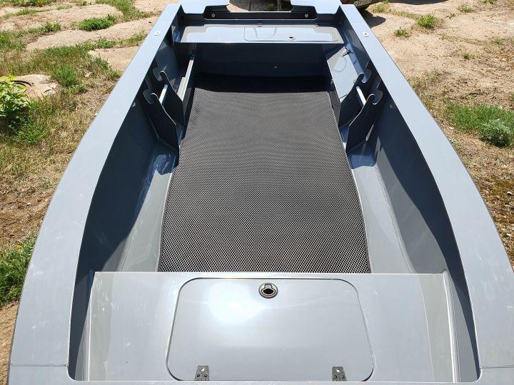 ЭВА коврик (ЧЕРНЫЙ) на моторную лодку Swimmer 370XL