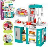 Детская игровая кухня с водой Kitchen Chef, свет и звук 53 предмета.