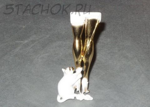 """Брошь """"Кошка распускает юбку"""" под золото и ювелирная эмаль"""