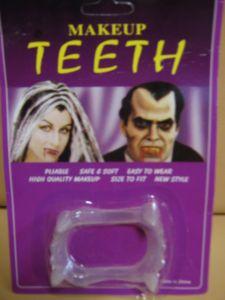 Зубы дракулы полупрозрачные