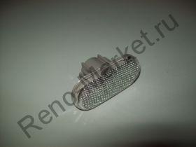 Повторитель поворота на крыло Renault оригинал 8200257684