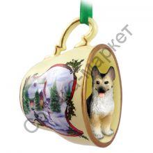 Немецкая овчарка новогоднее украшение-чашка «Заснеженный дворик»