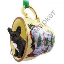 Французский бульдог новогоднее украшение-чашка «Заснеженный дворик»
