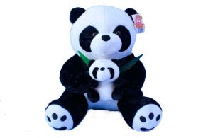 Мама с медвежонком панда