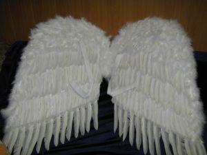 Крылья перьевые 92 см белые