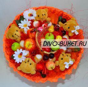 """Букет с игрушками и фруктами №073-5 """"Яблочный спас"""""""