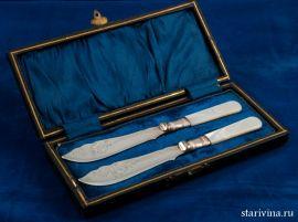 Набор из двух ножей для масла в кофре, Англия, 1900-10 гг