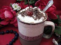 Вишневый ликер - десертный кофе в зернах.