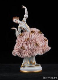 Танцующая девушка в кружевном платье, Muller & Co, Volkstedt, Германия, нач. 20 века., артикул 00726