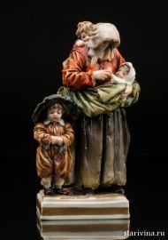 Нищенка с тремя детьми, Volkstedt, Германия, кон.19 - нач.20 в., артикул 00811